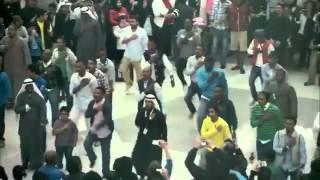 دعاية زين في مجمع في الكويت