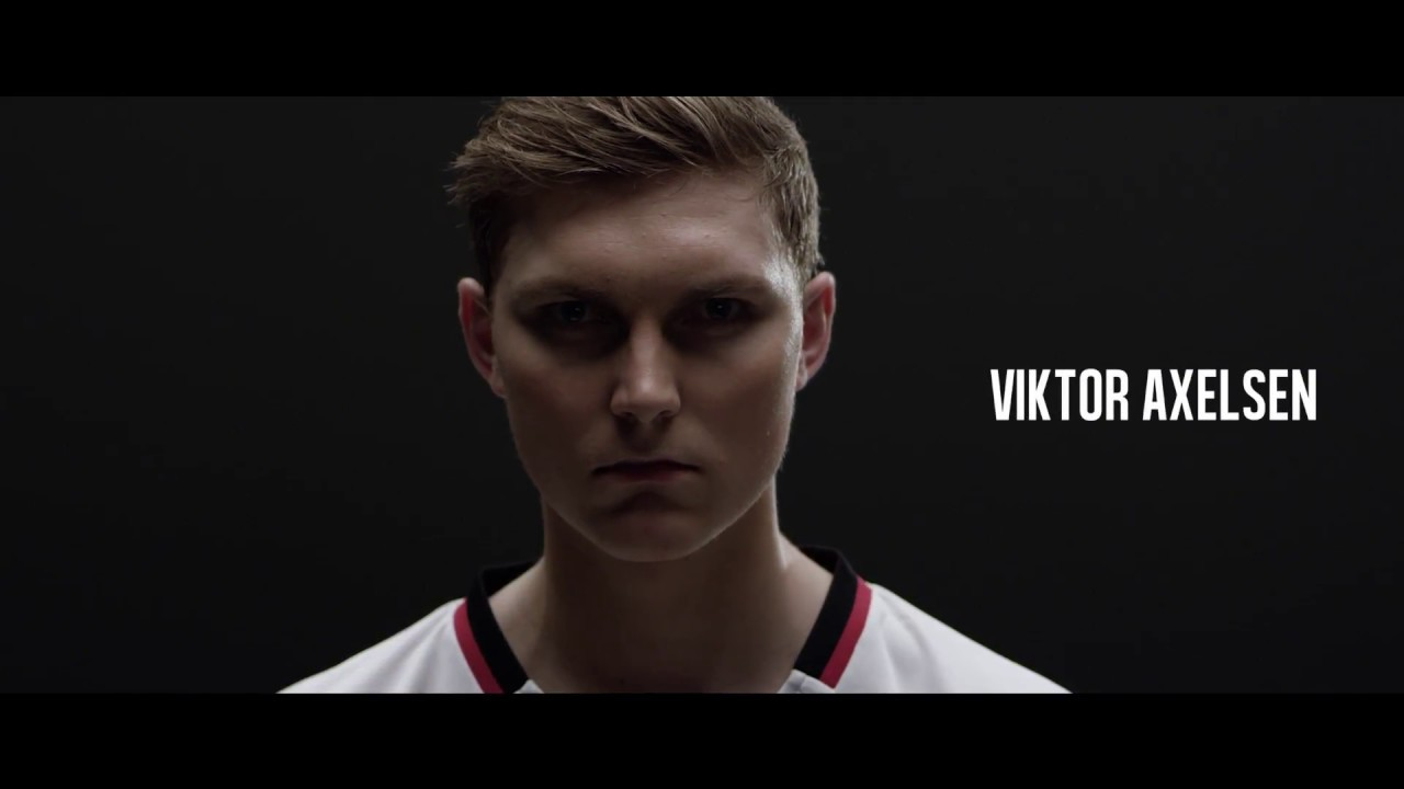 Viktor Axelsen & The DUORA Z STRIKE