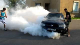 Volkswagen Passat 1.9 TDi burnout