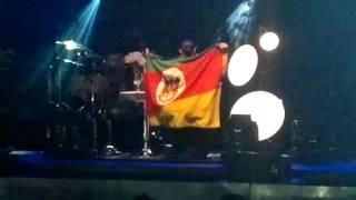 Ivete Intimista com bandeira do Rio Grande do Sul