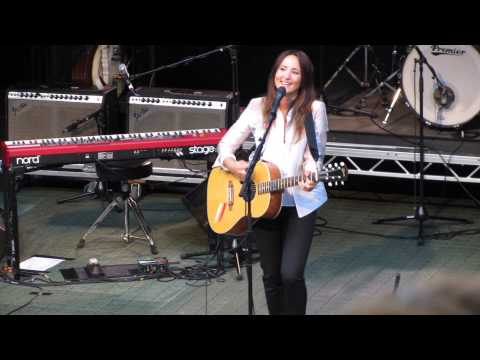 KT Tunstall  Other Side of the World  Gawsworth Hall 1972013
