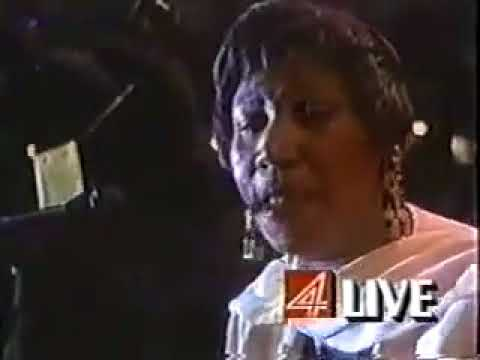 Aretha Franklin-Surely God Is Able (Live)
