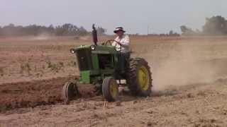 John Deere 1010 Tractor