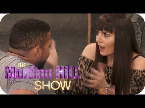 Larissa sucht große Liebe bei 'First Dates'   Die Martina Hill Show   SAT.1