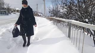 город Холмск заваленный снегом 21 декабря 2020 года