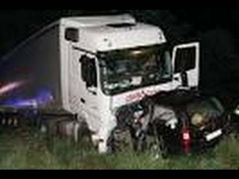 amazing crash truck compilation d 39 accident de camion 5 youtube. Black Bedroom Furniture Sets. Home Design Ideas