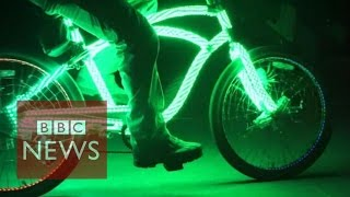 Bicycles lighting the night in Venice Beach - BBC News