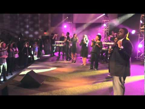 I Won't Go Back. Live performance by William McDowell.