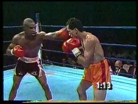 Boxing - 1987 - 10 Round Junior Lightweight Bout - Rocky Lockridge VS Dennis Cruz imasportsphile.com