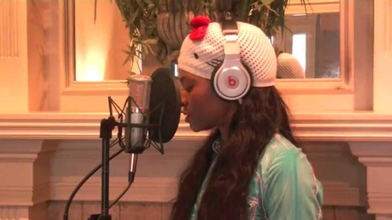Sia - Chandelier (original key) - Amanda Cole cover - YouTube