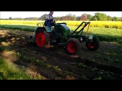 kartoffeln legen und pflegen mit wesseler traktor. Black Bedroom Furniture Sets. Home Design Ideas