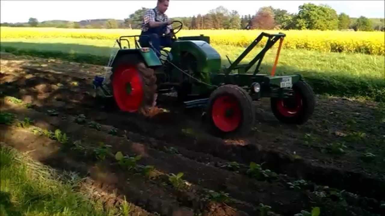 kartoffeln legen und pflegen mit wesseler traktor youtube. Black Bedroom Furniture Sets. Home Design Ideas