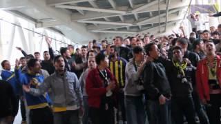 Bucaspor'umuzu Havaalanında Beklerken Yapılan Tezahüratlar