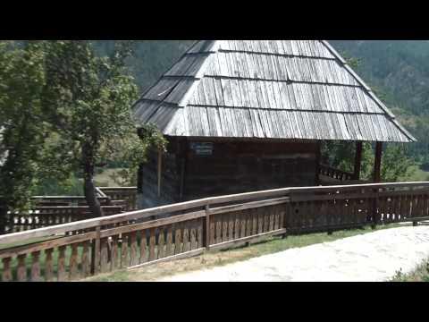 Drvengrad (Mećavnik, Kustendorf) / Wooden town
