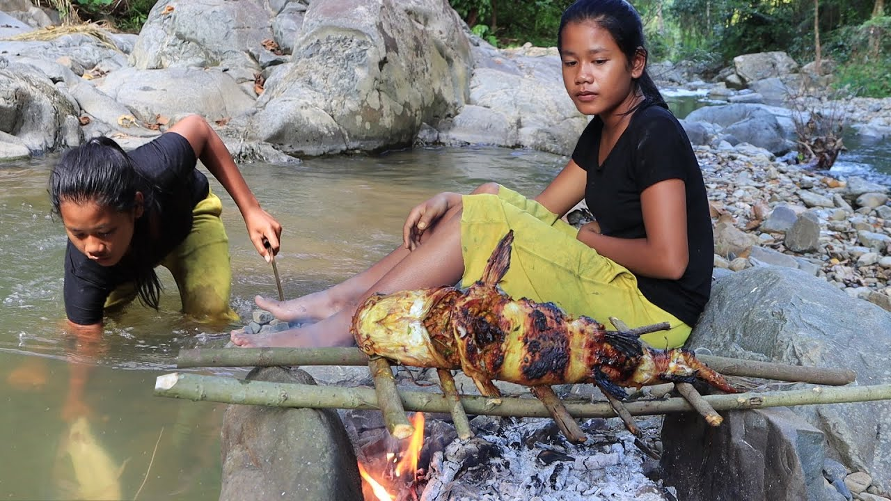 Survival skills: Yummy Fish Grilled Spicy Delicious For Food In The Jungle