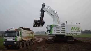 First Cat 374F excavator in the Netherlands, Martens en Van Oord