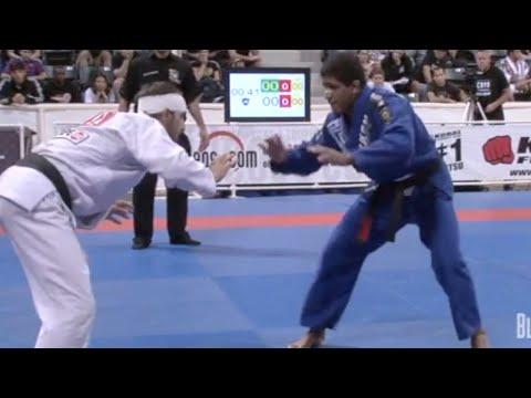 """Gilbert """"Durinho"""" Burns VS Rodrigo Simoes / World Championship 2009"""