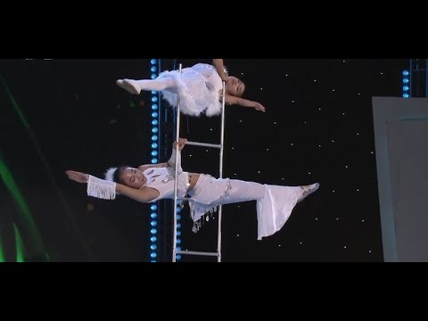 Young acrobats wow audience: Amazing Little Swans