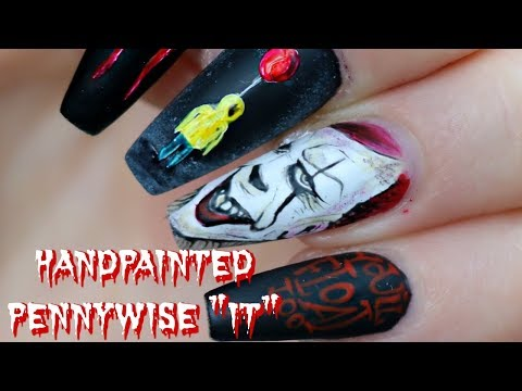 GIRL HAND PAINTS PENNYWISE ART ON TINY FINGERNAIL | it the movie