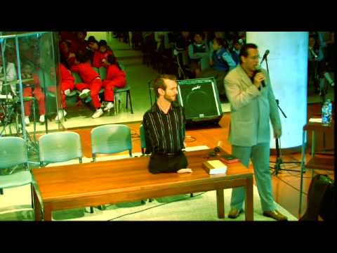 Colombia '08: Local School - http://www.lifewithoutlimbs.org/ - nick vujicic