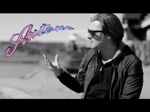 Axwell - At the 'Center of The Universe' - AxtoneTV