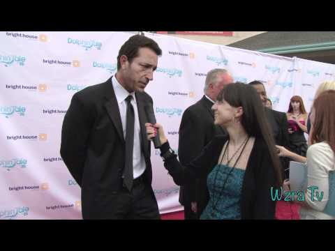 Wzra Tv: Dolphin Tale Red Carpet  with Sonny Marinelli