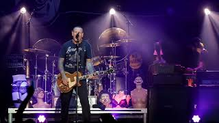 Social Distortion at Rock The Shores 2018: Far Behind