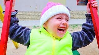MOMENTE VESELE CU MELISSA !!!   Funny and Happy Kids