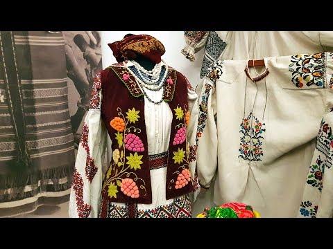 Украинский народный костюм, сколько стоит (украинская речь).
