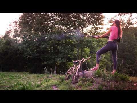 Pink Flamingos - Erik Dylan (featuring Emily Earle)