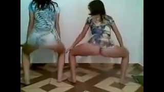 Duas Gostosas Dançando Funk {Canal Kelvy Lopes}
