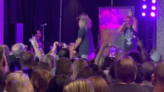 Bret Michaels Band: Look What The Cat Dragged In