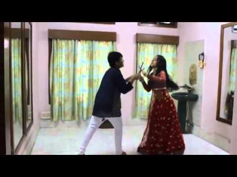 Watch Arpita Dutta Learn Dholi Taro - Dandiya