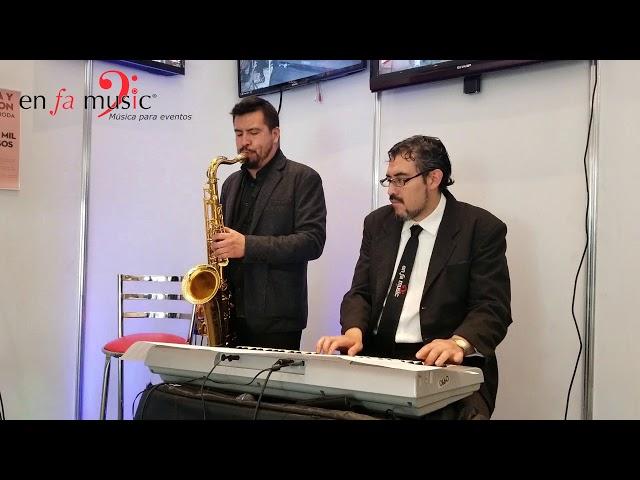 Happy dueto de Sax y teclado Enfamusic