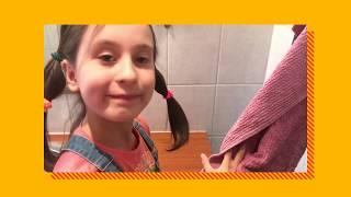 Laura, 9, opettaa pesemään kädet oikein
