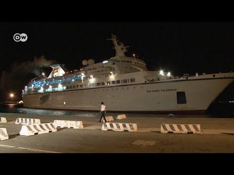 Круизный лайнер в заложниках у беженцев из Сирии