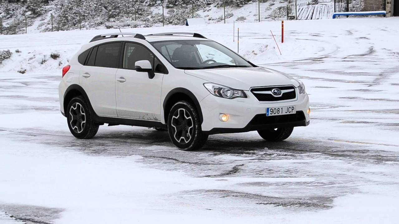 subaru xv 2016 on ice uphill test nokian wr a3 youtube. Black Bedroom Furniture Sets. Home Design Ideas
