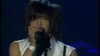 FT Island 1st Concert - Person closer to tear.Vsub.avi