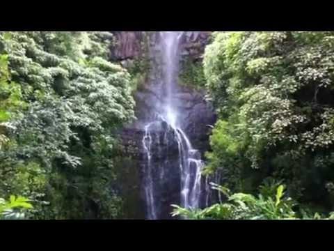 Wailua Falls off the road  to Hana on Maui