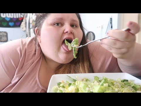 DELICIOUS SALAD & EXERCISE WITH ME