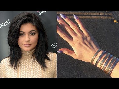 Kylie Jenner Tour of EPIC Accessory Closet & Most Googled Accessory Ever?!