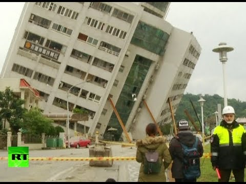 RAW: Building tilts after deadly 6.2 earthquake in Taiwan