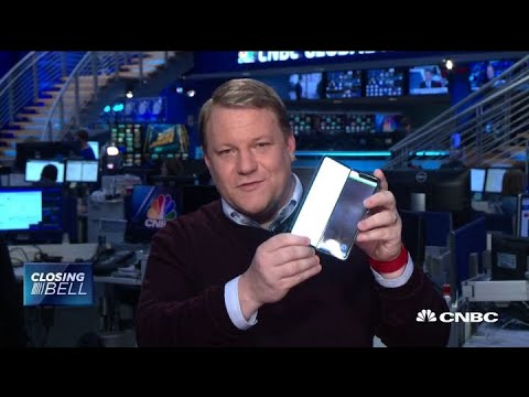 CNBC's Samsung Galaxy Fold test phone breaks after two days