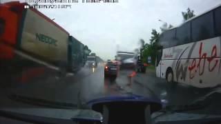 Самые ужасные ДТП с участием тяжелых грузовиков