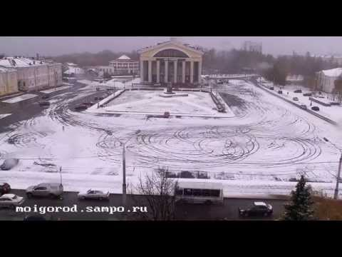 Зимний дрифт на площади Кирова