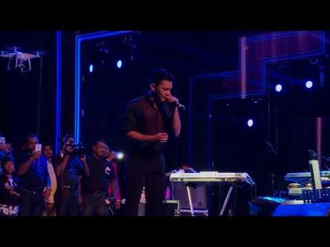 Aditya Narayan and Sanka Dineth Live Onstage Mashup   Full Version HQ