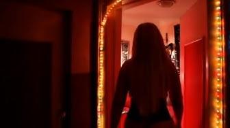 Rotlicht Film Bordelle im Wohnzimmer  Doku in HD