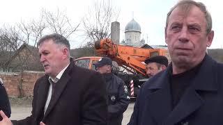 """В смт. Кострижівка - зі слів жителів, з`явилися """"зелені чоловічки"""" які руйнують цукрозавод"""