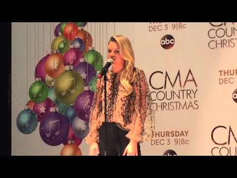 Kelsea Ballerini backstage at CMA Country Christmas