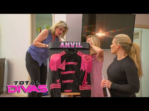 "Natalya prepares for Jim ""The Anvil"" Neidhart's funeral: Total Divas Preview Clip, Nov. 28, 2018"